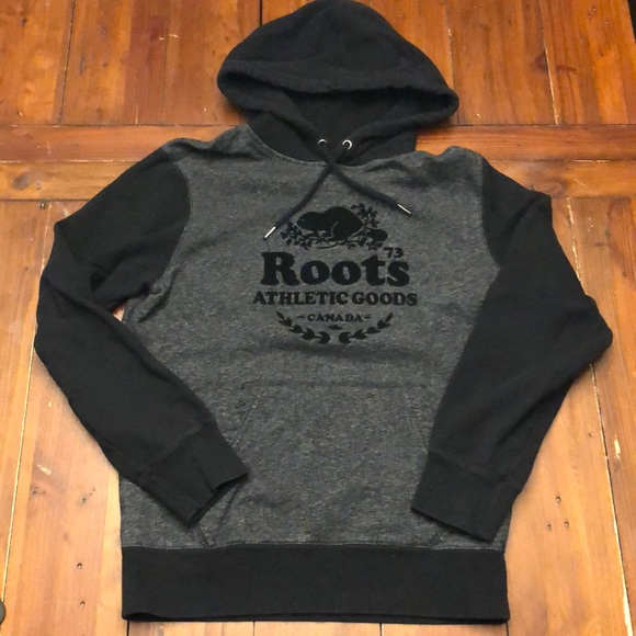 Roots black pepper pullover hoodie. EUC